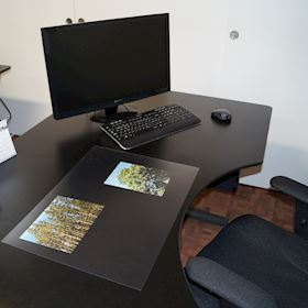 Desk mat - Clear with a frosted surface
